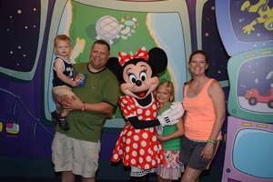 Jaci & her family enjoying their summer trip to Disney!
